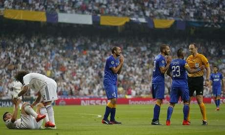 Jogadores da Juventus reclamaram muito da marcação do pênalti em cima de James