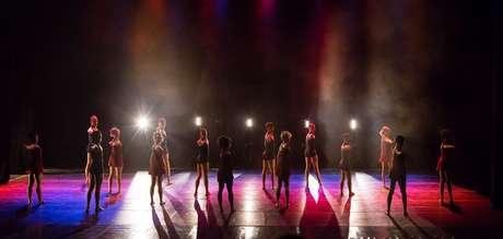 """Espetáculo """"Traços e Linhas"""", da Raça Cia. de Dança, será apresentado em dois teatros de São Paulo"""