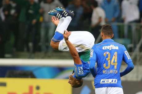 Vitor Hugo marcou um dos cinco gols na goleada em cima do Sampaio Correia