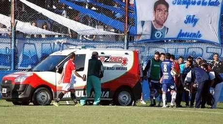 Ortega foi levado de ambulância ao hospital depois de se acidentar