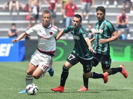 Milan perdeu por 3 a 2 para o Sassuolo, e um torcedor flagrou traição da mulher