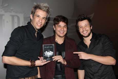 Kiko, Leandro e Bruno comemoram 15 anos de carreira com lançamento de DVD em São Paulo