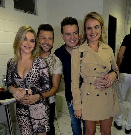 Marcos e Belutti com Lu Marchioto e Thais Pacholek, suas respectivas mulheres