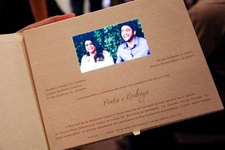 Mini TV acoplada traz vídeo e foi opção escolhida para casamento da cantora Preta Gil