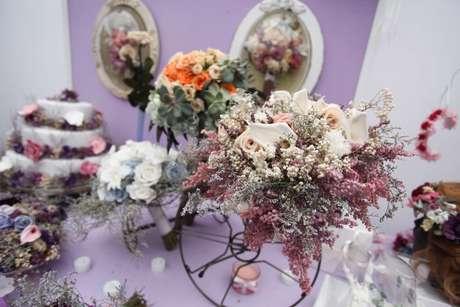 Preservação das flores permitem que buquê dure até dois anos intacto em um ambiente com temperatura normal