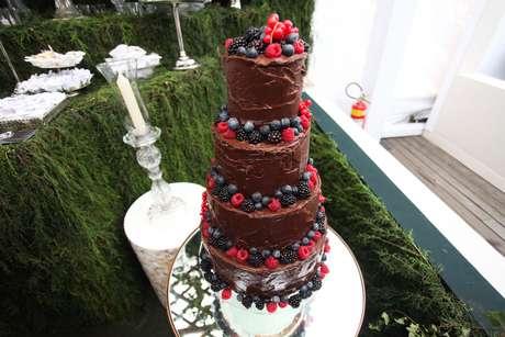 Mesas de doces e bolos ganham diferentes versões