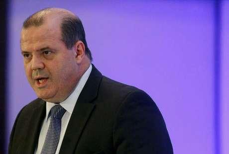 Presidente do Banco Central, Alexandre Tombini, defende aumento dos juros
