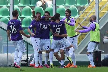 Fiorentina venceu o Palermo por 3 a 2 e garantiu vaga na Liga Europa