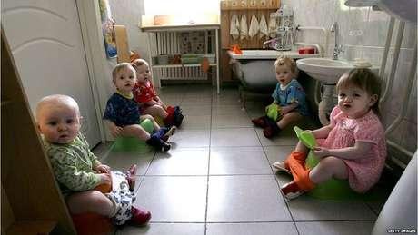 As moradoras de um orfanato para crianças com o vírus HIV em Moscou