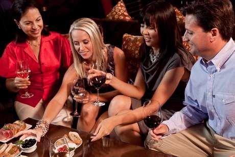 Vinho é destaque em bares que oferecem variedade e harmonização