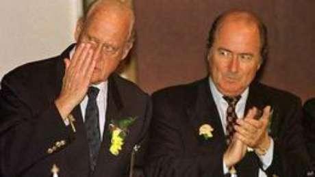 Primeira eleição de Blatter já ocorreu com polêmicas
