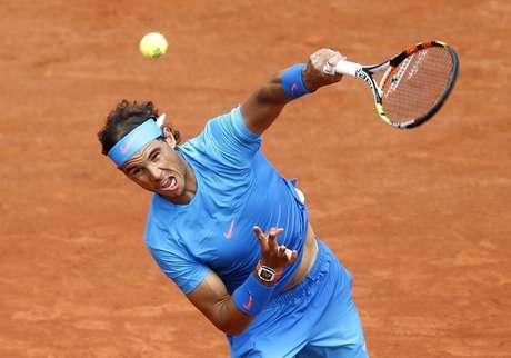 Rafael Nadal em jogo contra Almagro em Roland Garros. 28/5/2015.
