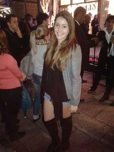 A fã Gabriela Gomes acompanha o reality show e compareceu ao evento com a esperança de ganhar um autógrafo