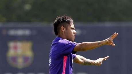 Neymar participa de treino do Barcelona.  29/5/2015.