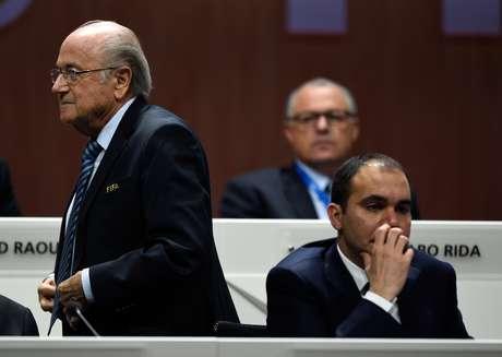 Joseph Blatter superou o príncipe jordaniano Ali Bin Al-Hussein nesta sexta-feira