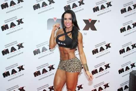 Gracyanne Barbosa curte evento fitness de Schwarzenegger no Rio de Janeiro