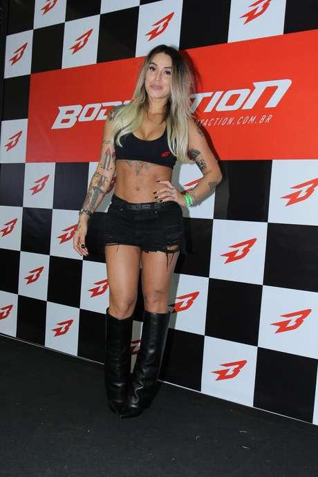 Dani Bolina também marcou presença no Arnold Classic Brasil