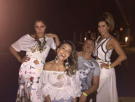 Só na pose! Marina Morena, Sabrina Sato, David Brazil e Fernanda Paes Leme se divertem na festa
