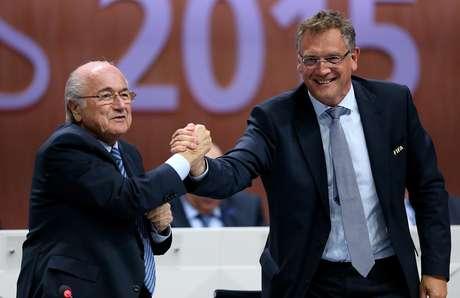 Jérôme Valcke e Joseph Blatter são bem próximos