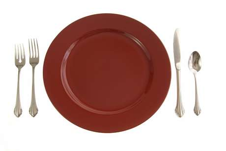 Pratos vermelhos dão à comida menos contraste, o que a faz ser menos desejável
