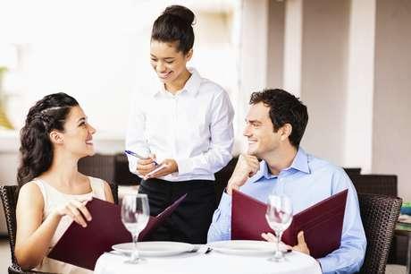 Professor recomenda que pedido seja feito logo após chegar no restaurante