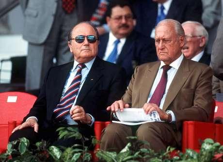 Blatter sucedeu João Havelange em 1998