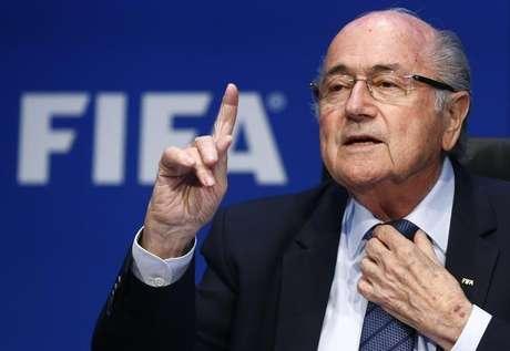 Joseph Blatter seria o próximo alvo das investigações do FBI