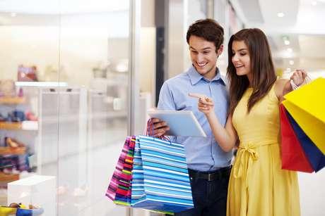 Entre os que vão presentear o namorado, 27% comprarão um artigo de moda