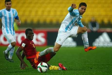 Tomas Martinez teve dificuldades de passar pela marcação de Gana