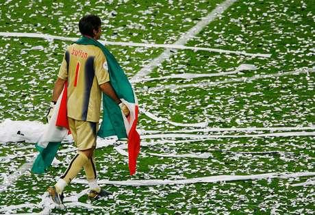 Copa do Mundo ele já tem: em 2006, faturou a principal taça do futebol com a seleção da Itália
