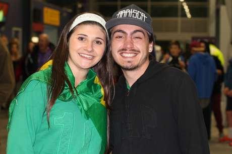 Danielle Oliveira e Vincius Chaves estao ha tres meses na Nova Zelandia e acompanharam jogos do Brasil
