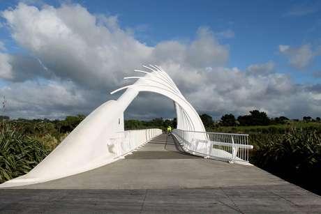 A Coastal Walkway tem uma trilha de 13km contornando a costa e é opção para caminhada e bicicletas