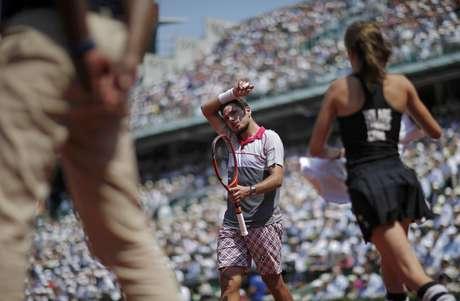Wawrinka salvou 16 break-points e eliminou o tenista da casa