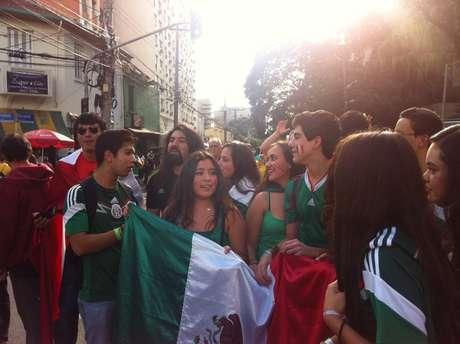 Mexicanos comparecem em número pequeno ao Allianz Parque