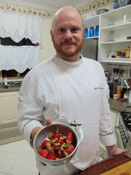 Arthur Sauer com sobremesa Morangos Calientes pronta: exclusiva para o Terra