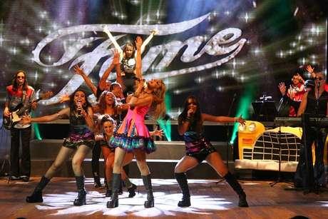 """Banda apresenta número baseado no espetáculo """"Fame"""", um dos grandes sucessos da Broadway"""