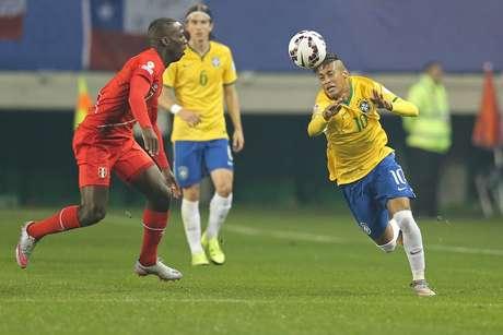Neymar foi o destaque do setor ofensivo brasileiro neste domingo