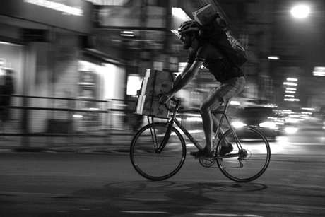 Cada entregador da Pedal Express, de Porto Alegre, costuma pedalar de 60 a 100 quilômetros por dia
