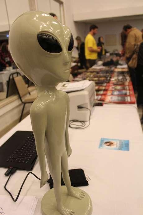 """""""Bem-vindo à nave"""": o Terra foi ao congresso de ufologia realizado em Porto Alegre"""