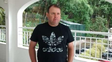 Marcelo Fernandes, técnico do Santos, compareceu ao velório de Zito