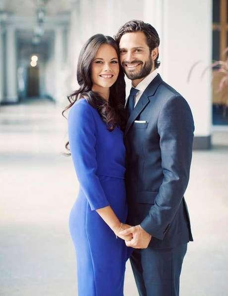 O príncipe Carl conheceu Sofia em uma boate da Suécia, quando a moça trabalhava como garçonete