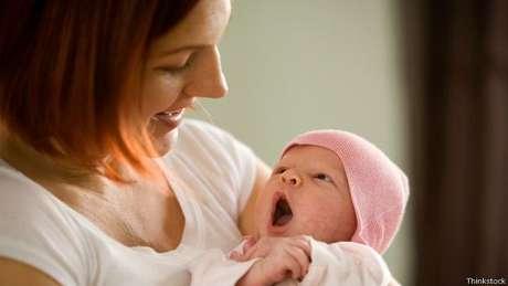 Mães que tiveram filhos mais tarde, entre os 25 e 35 anos, também tiveram uma saúde melhor ao chegar na meia idade