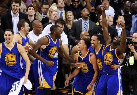Golden State Warriors: o melhor time do ano e campeão da NBA em 2015