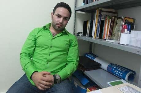 Abdul Baset Jarour, de 25 anos, da cidade histórica de Aleppo, norte da Síria