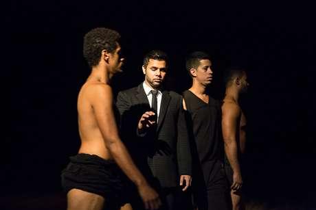 Companhia de Dança R.E.C apresenta novos rumos da improvisação na dança