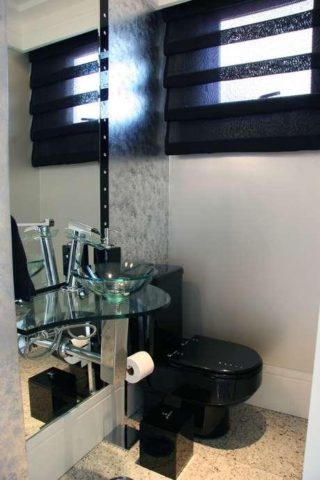 Lavabo veja 8 dicas para decorar e ampliar o banheiro -> Decoracao De Banheiro Com Vaso Sanitario Preto
