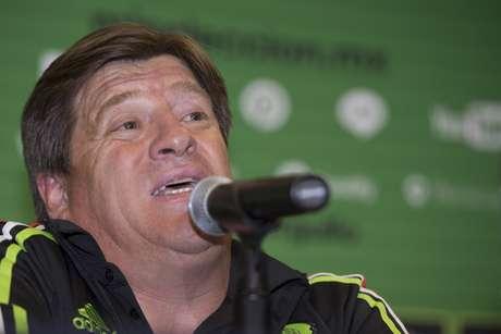 Herrera lució molesta en la conferencia de prensa a su llegada a la Ciudad de México.