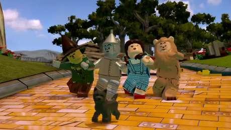 La parte entre el 'Espantapájaros' del 'Mago de Oz' con 'Batman' es GE-NI-AL.