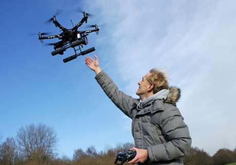 Aprender a volar un drone no es fácil aunque parezca sencillo.