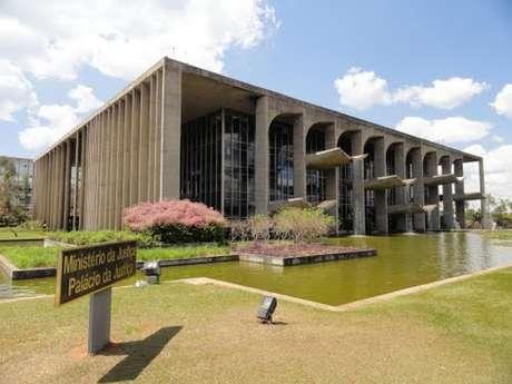 O Ministério da Justiça abriu concurso público para 44 vagas de nível superior